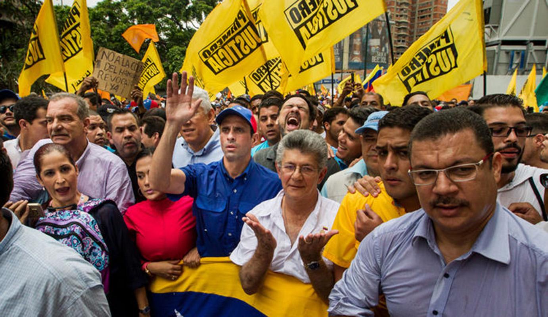 Oposición venezolana inicia consultas para elegir candidato a presidenciales