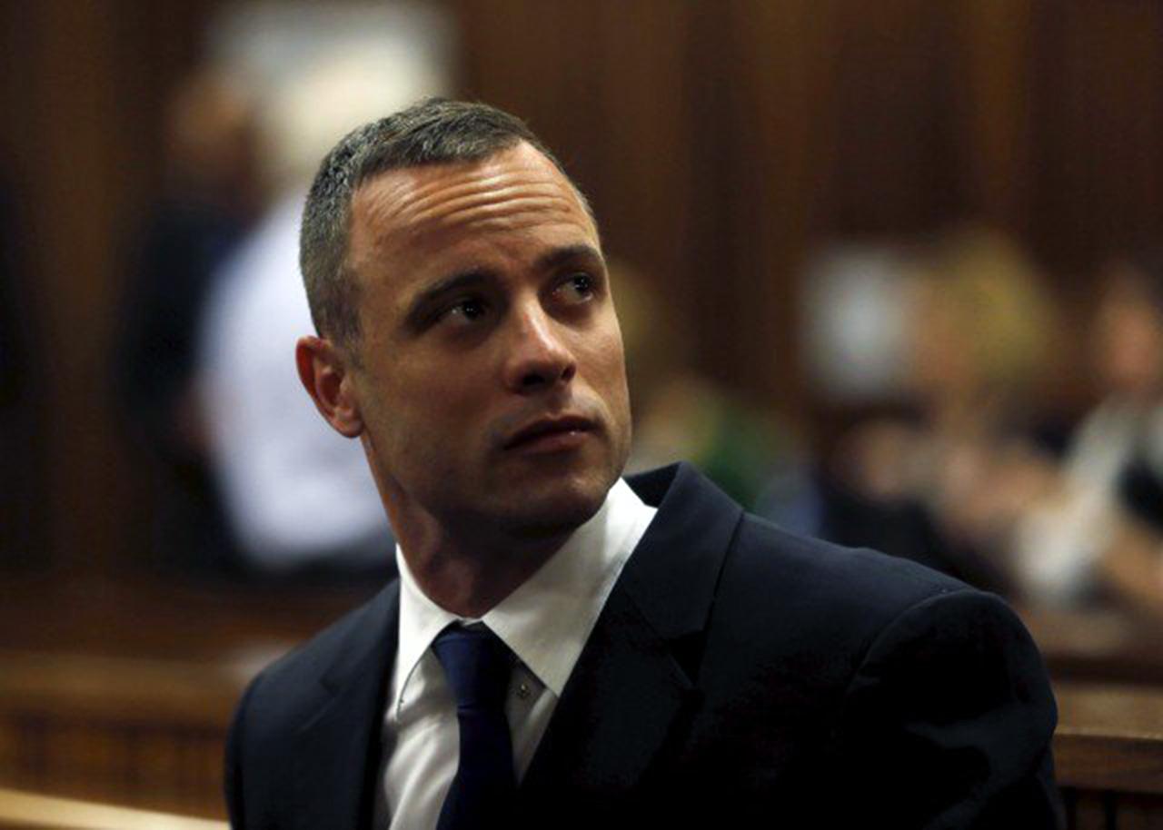 Pistorius ligeramente herido en pelea en la prisión