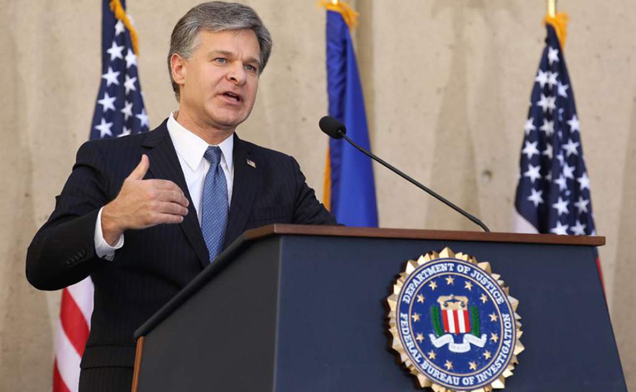 Director del FBI amenaza con dimitir ante presiones de Gobierno, según medios