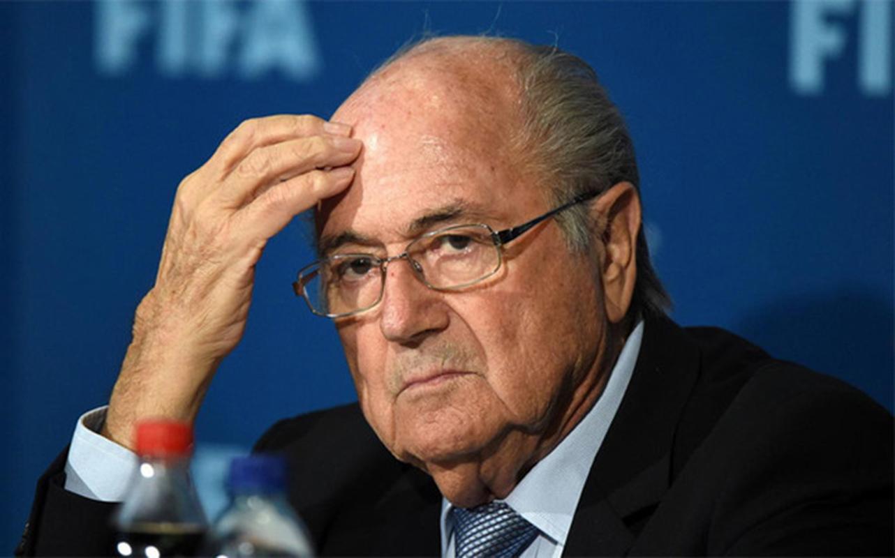 Investigación sobre un giro sospechoso de Blatter al patrón del fútbol austríaco
