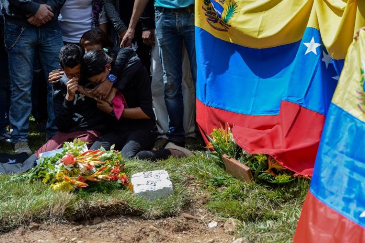 Piloto rebelde Óscar Pérez enterrado en Caracas sin aval de familiares