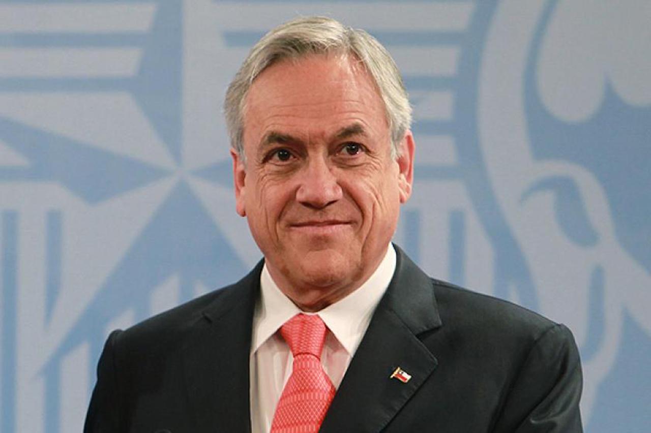 """Piñera elogia """"valentía"""" del papa al pedir perdón por abusos de la Iglesia"""