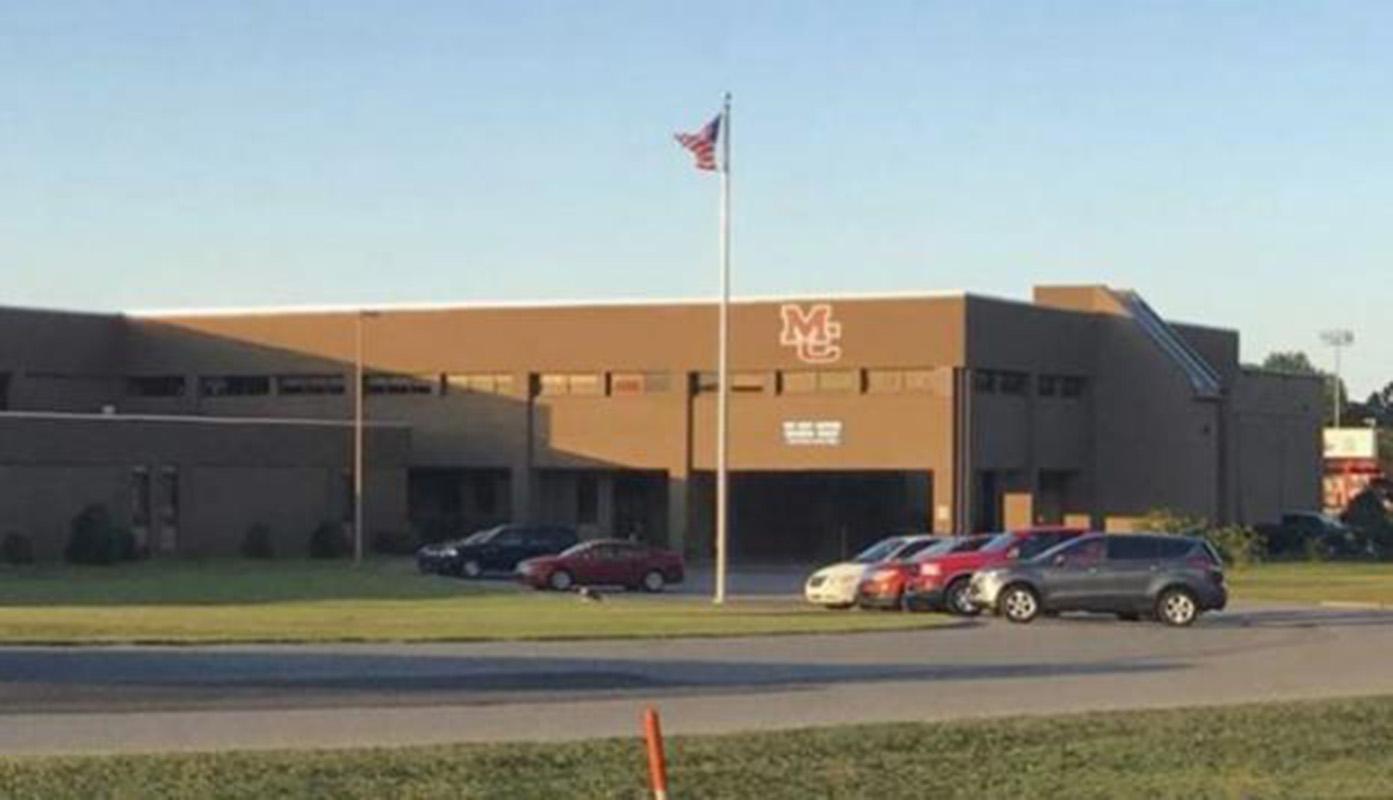 Un muerto en tiroteo en escuela secundaria de Kentucky