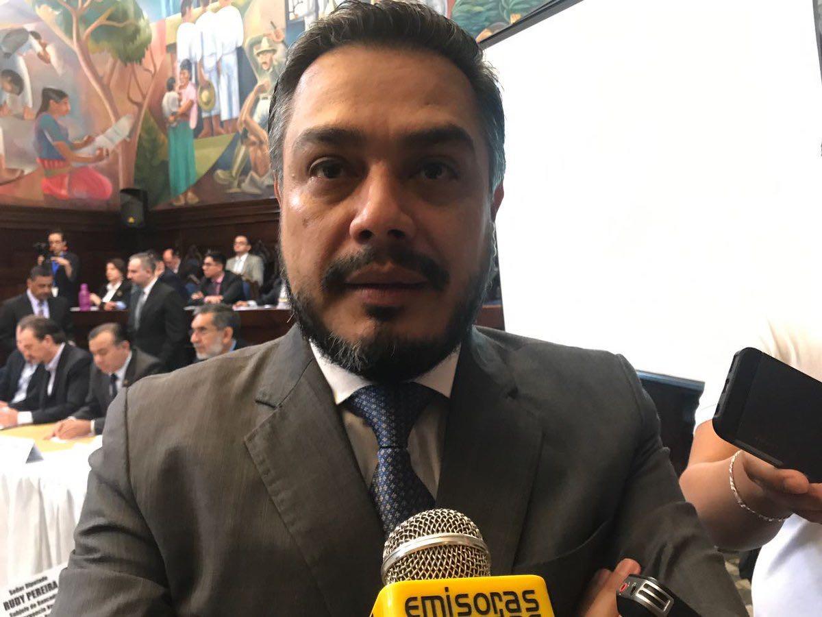 """FCN-Nación pide """"ver pruebas y no testimonios"""" en expediente de antejuicio contra Jimmy Morales - Emisoras Unidas 89.7FM"""