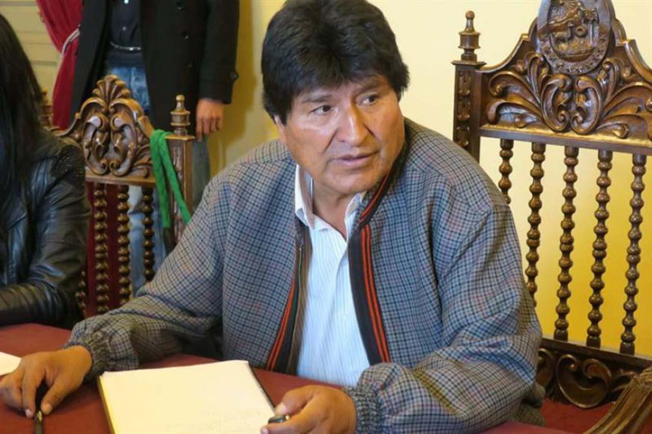 """Evo Morales se ve arropado por """"goleada"""" para seguir en el poder hasta 2025"""