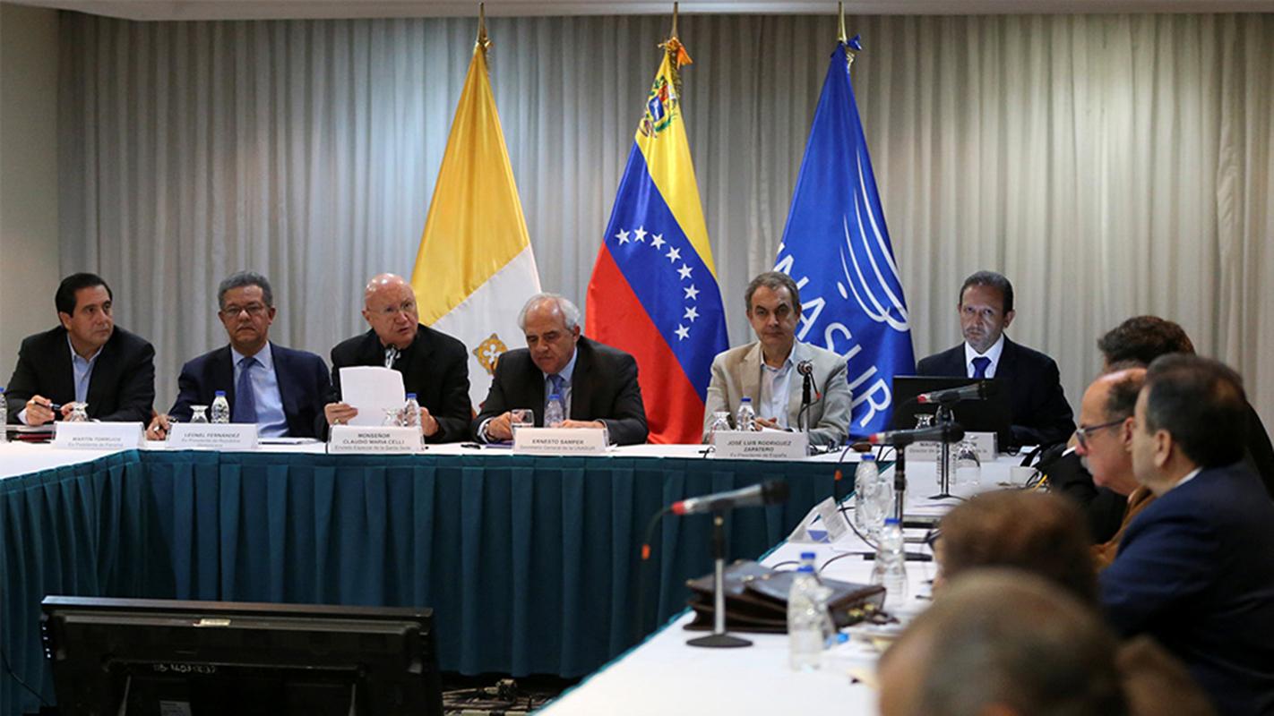 Gobierno y oposición de Venezuela reanudan hoy diálogo en Santo Domingo