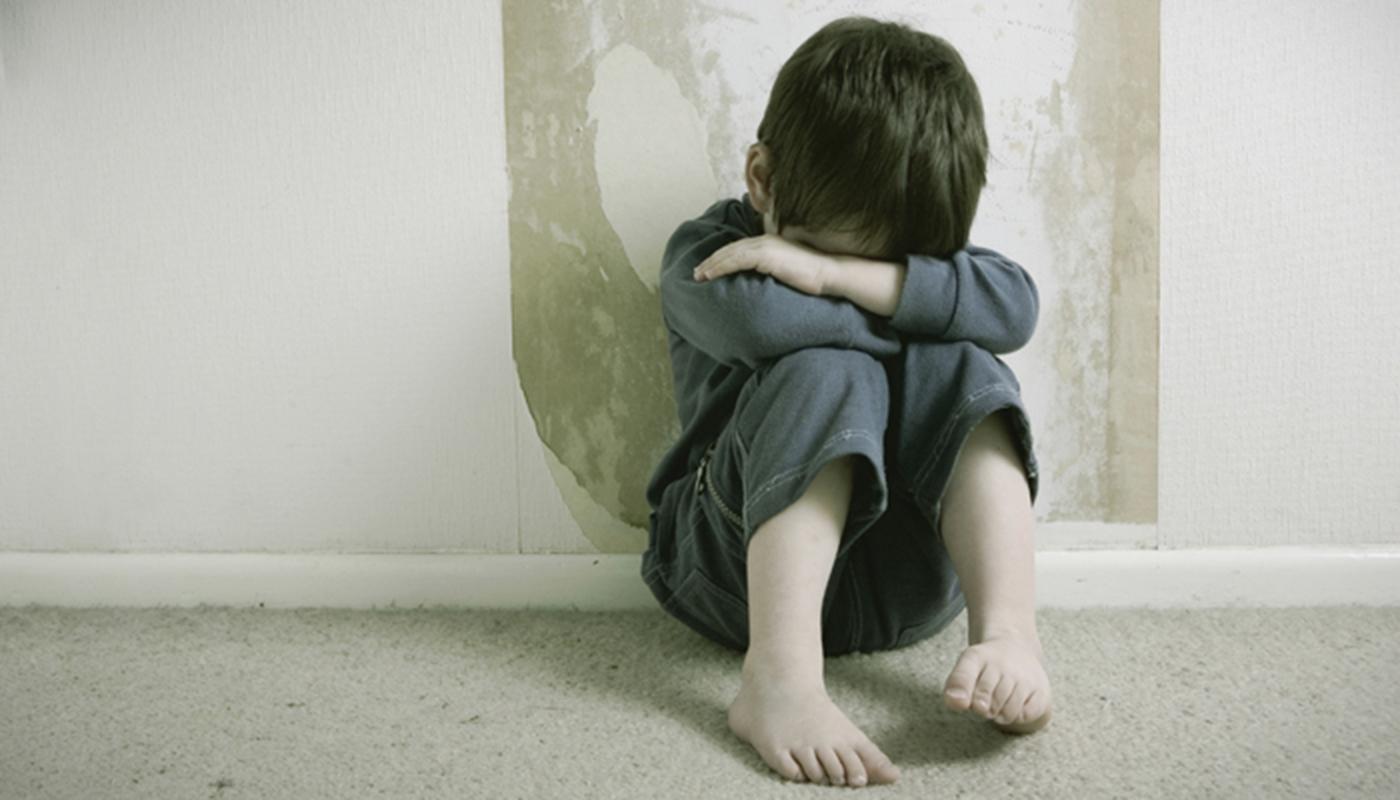 Niños violentados normalizan la violencia en su vida adulta, según Refugio de la Niñez