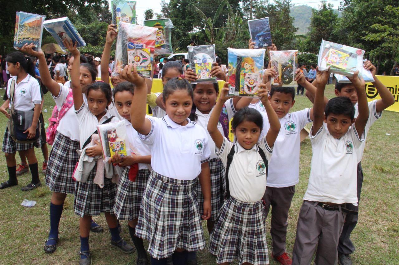 Cuadernos con Corazón EU Emisoras Unidas Guatemala