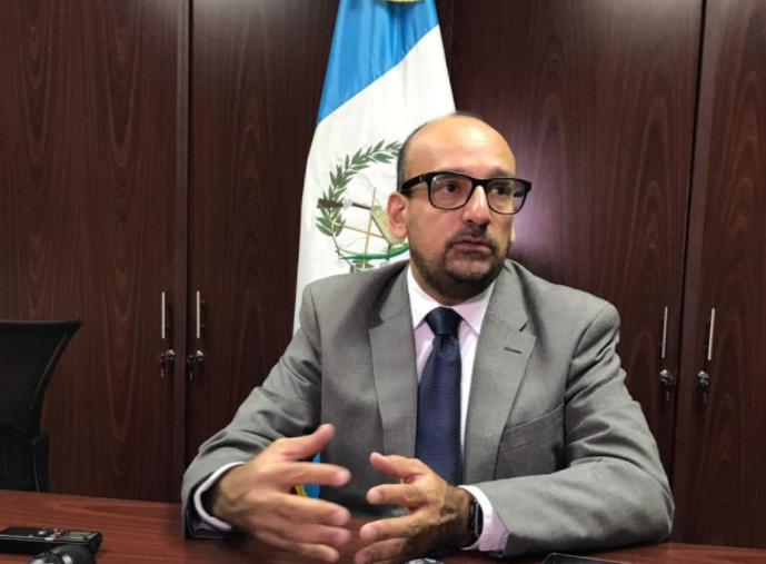 Leonel Lira Eu emisoras Unidas Guatemala