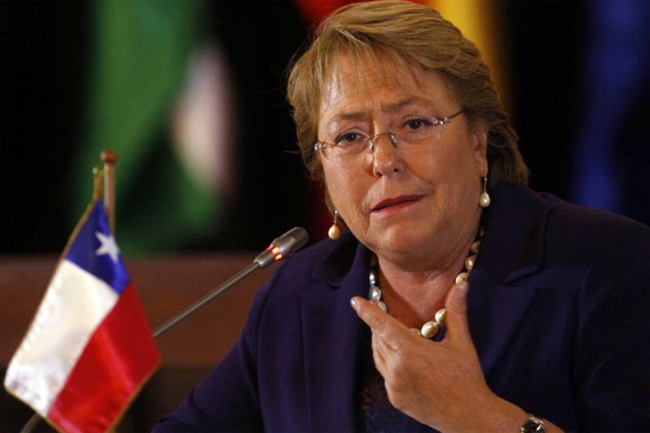 A días de entregar el poder, Bachelet anuncia nueva Constitución para Chile