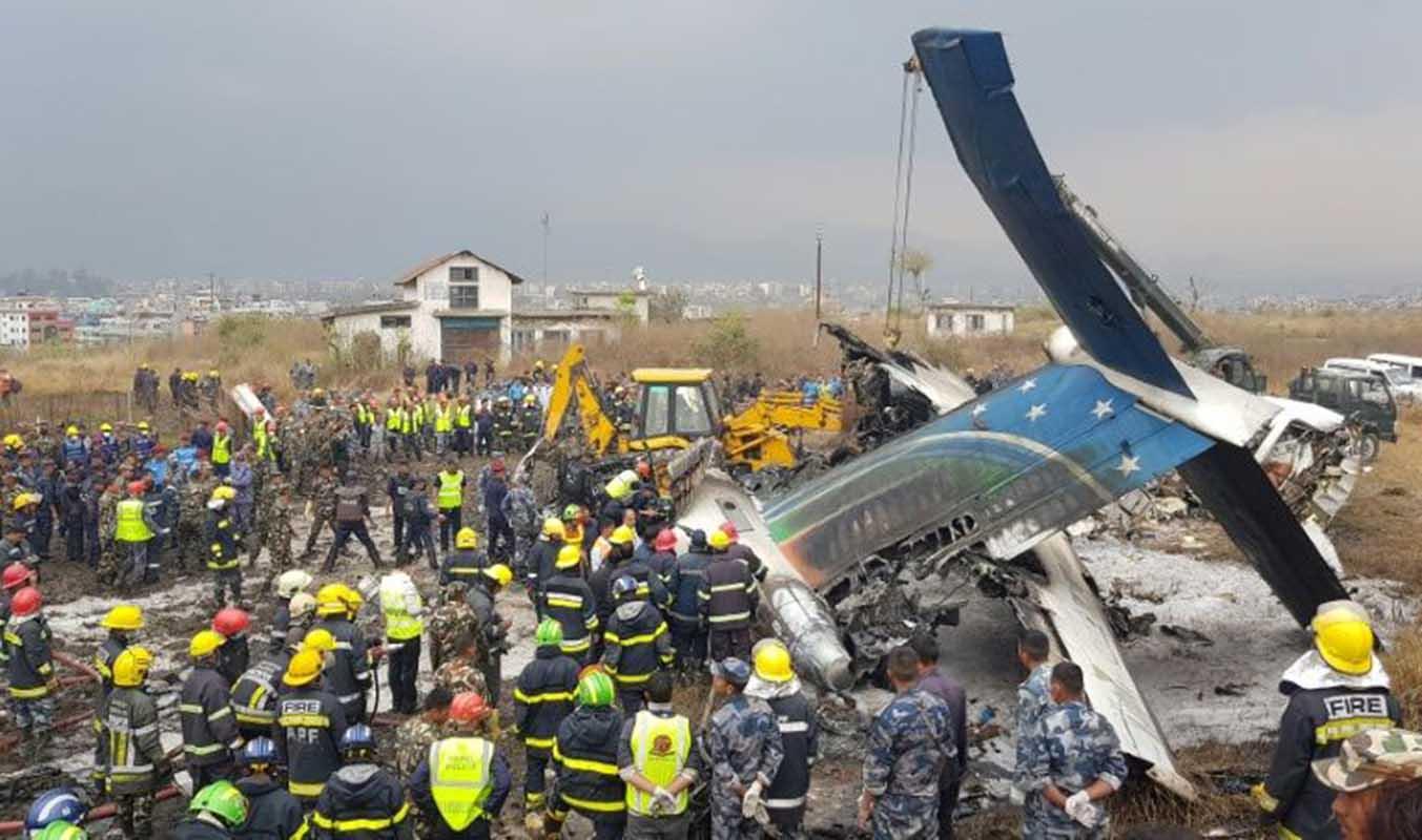 Al menos 40 muertos al estrellarse un avión bangladesí en Katmandú