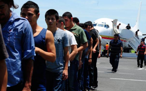 Deportaciones y remesas EU Emisoras Unidas Guatemala