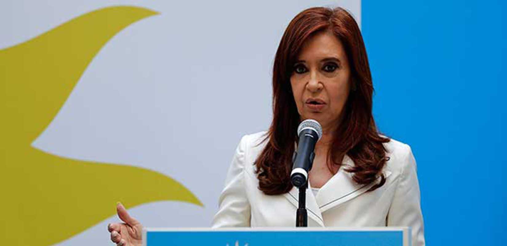 Envían a juicio a Cristina Fernández por presunto encubrimiento a terroristas