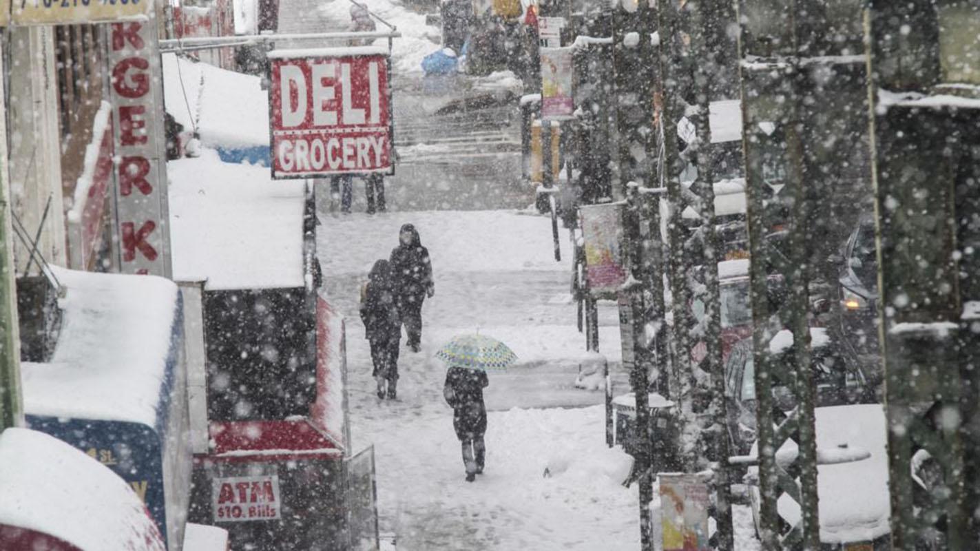 Tormenta de nieve se debilita al avanzar hacia Nueva Inglaterra
