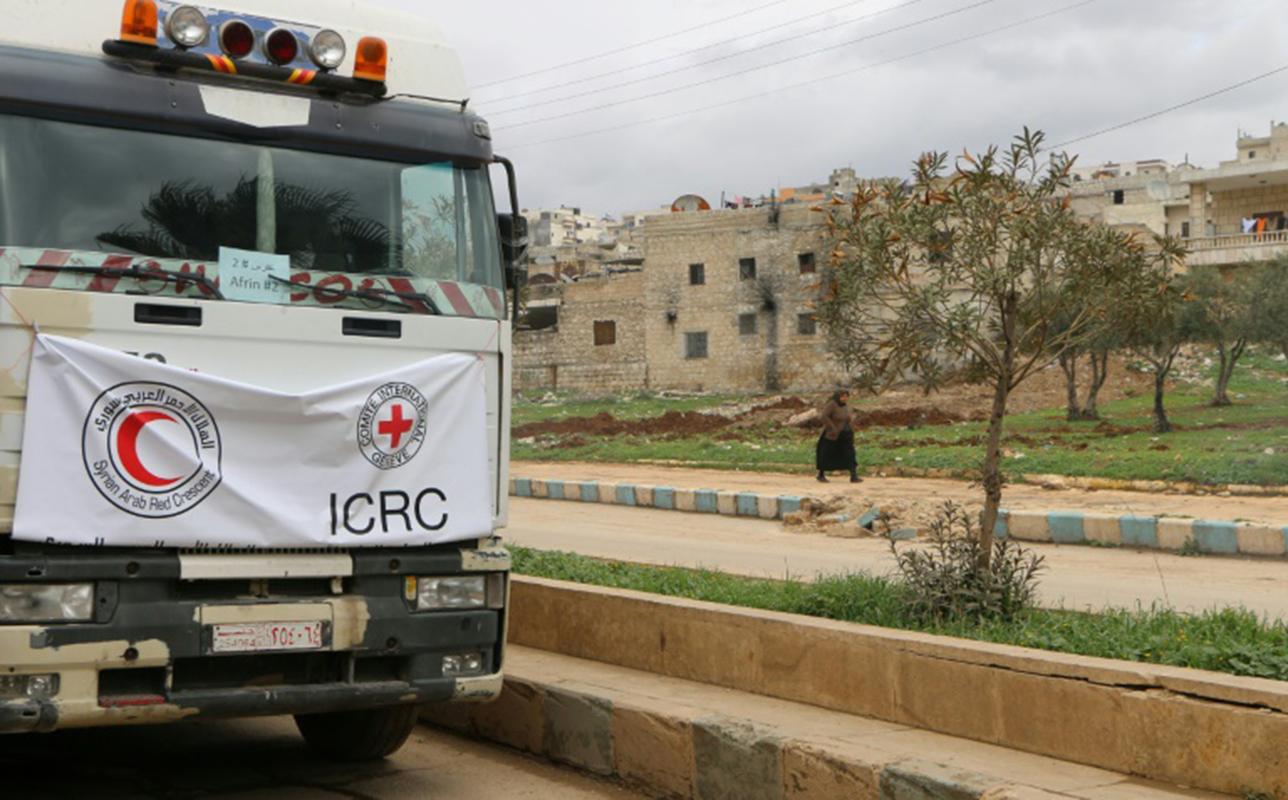 Un convoy humanitario entró en el enclave rebelde sirio de Guta Oriental