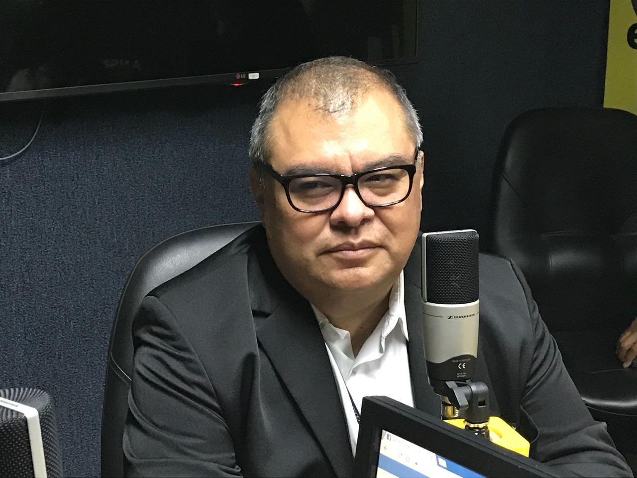 Gustavo Castillo en Sobremesa