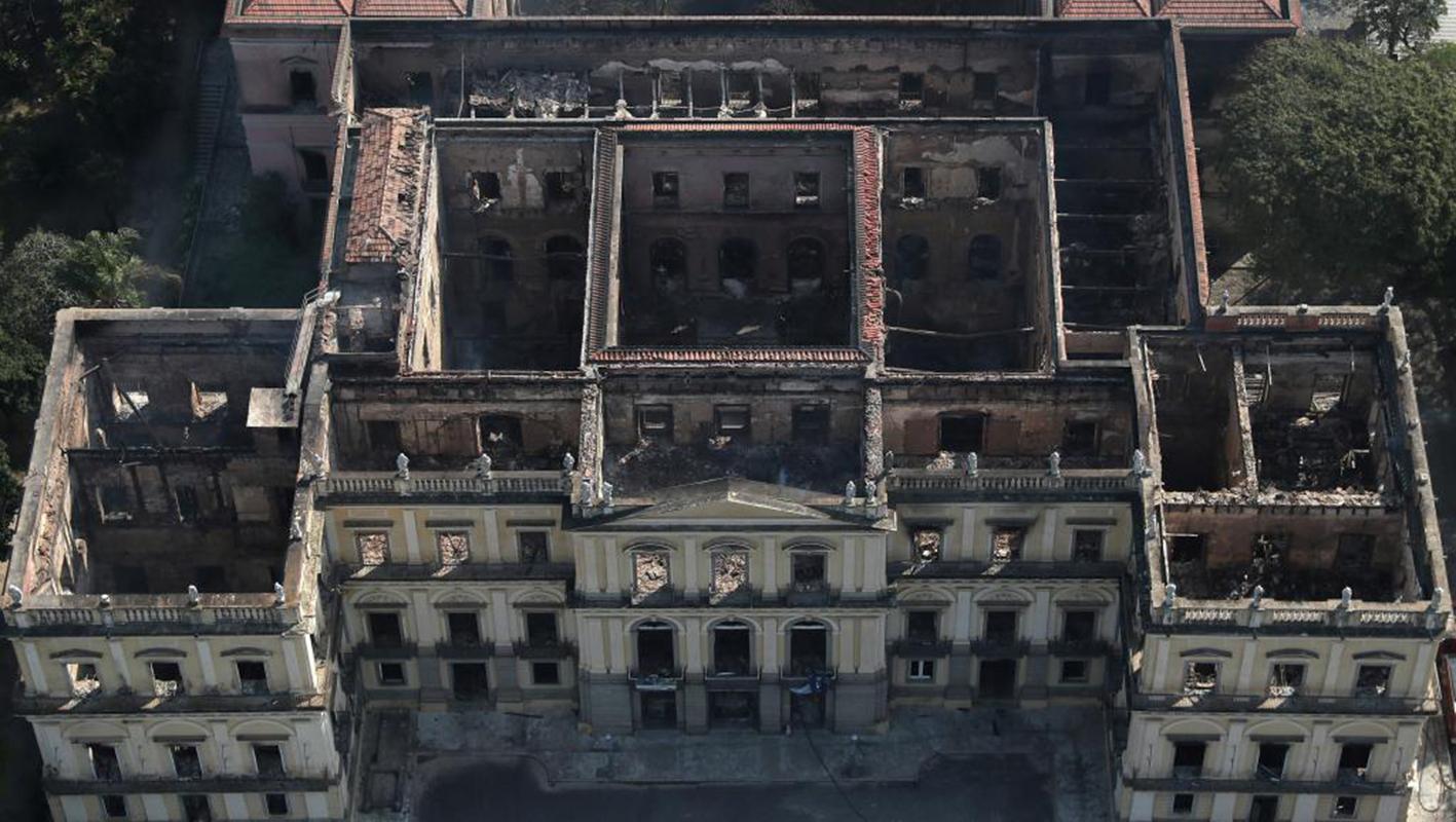 Francia dispuesta a ayudar en la restauración del Museo Nacional en Río