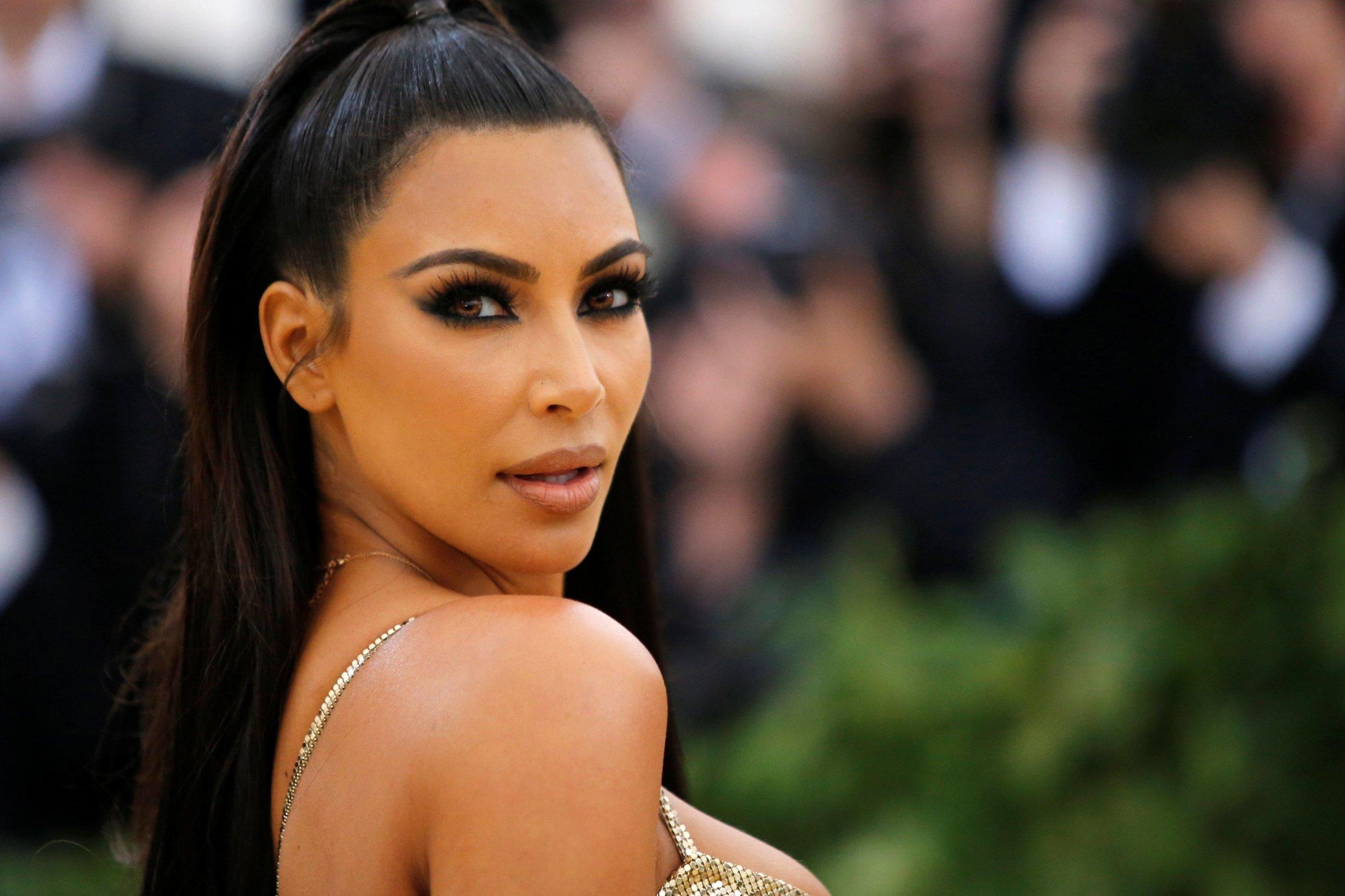 Kim Kardashian Casa Blanca Donald Trump Chris Young Emisoras Unidas