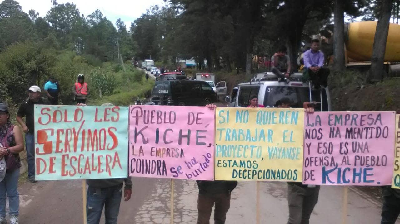 Transportistas carteles manifestacion carreteras en mal estado