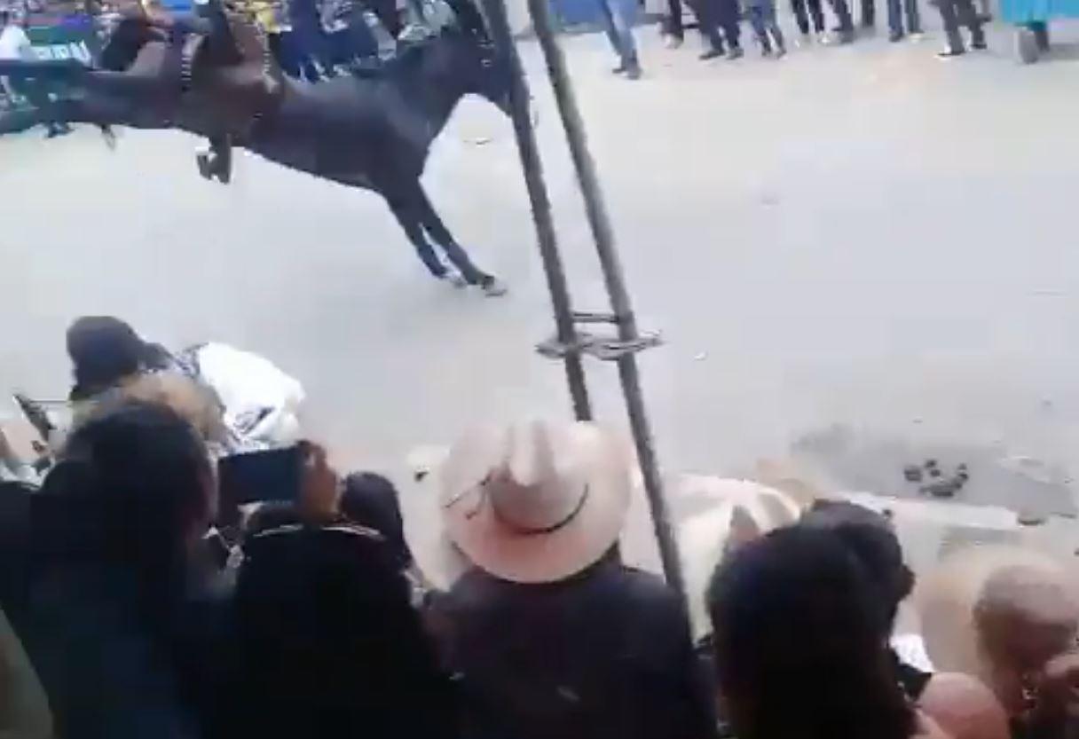 video viral desfile hípico Salamá Baja Verapaz Emisoras Unidas
