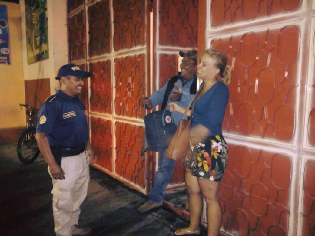 chofer bus turista Antigua Guatemala Sacatepéquez Emisoras Unidas