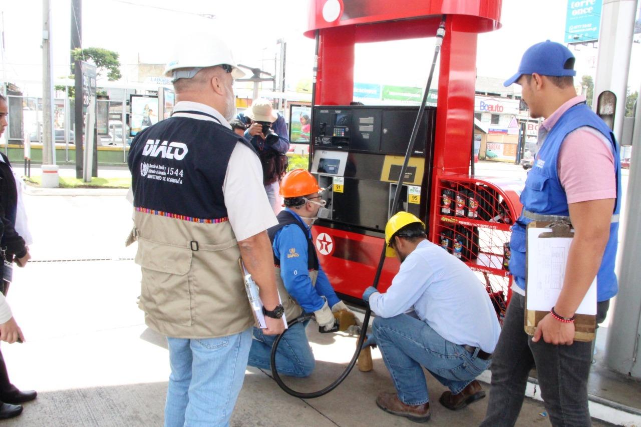 Inspección en gasolineras de Guatemala