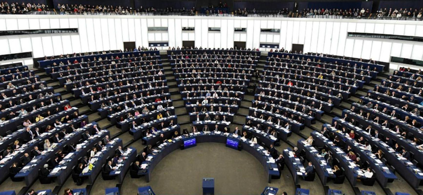 Eurocámara pide poner fin a plásticos