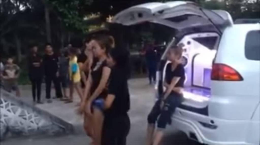 baile cremación amiga Tailandia