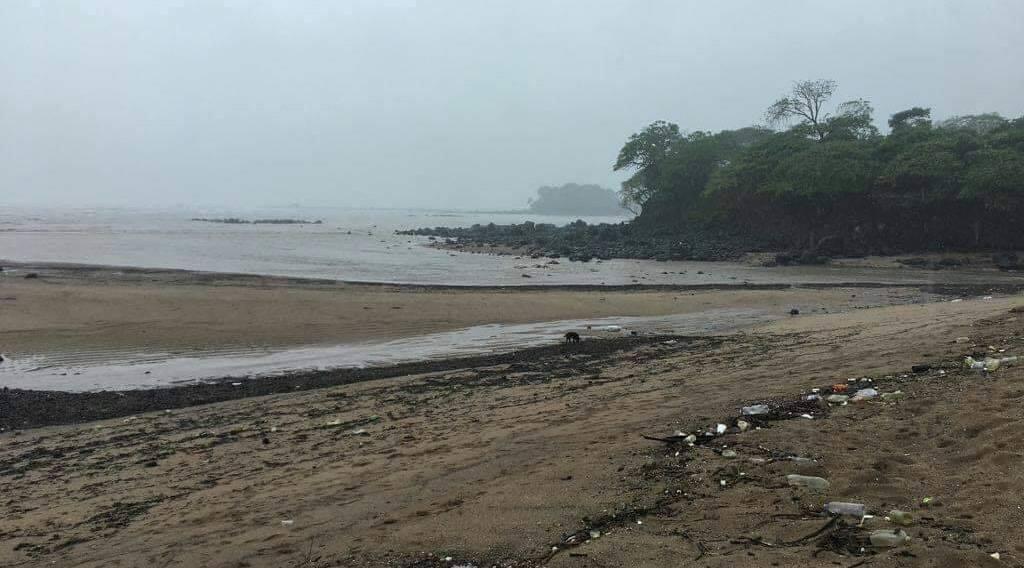 El Salvador mar costa habitantes alarma