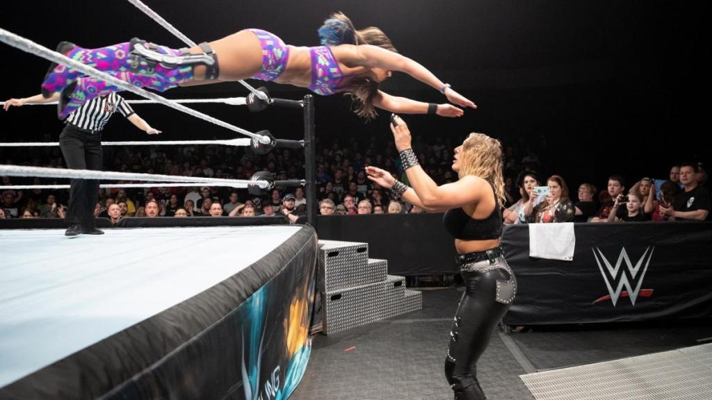 luchadora WWE explota rodilla Tegan Nox