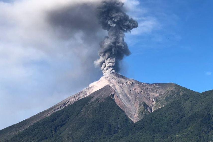 Volcán de Fuego en acción