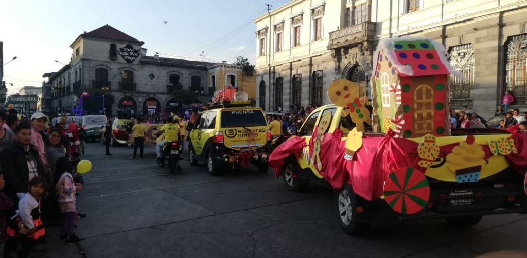 Quetzaltenango época navideña desfile