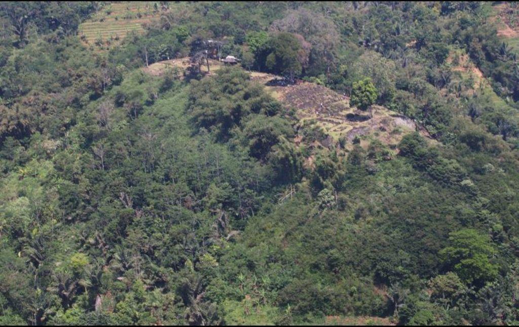 pirámide indonesia montaña Monte Padang