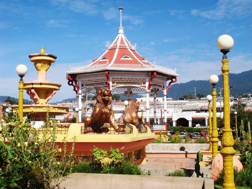 San Marcos espacios navideños Parque Central