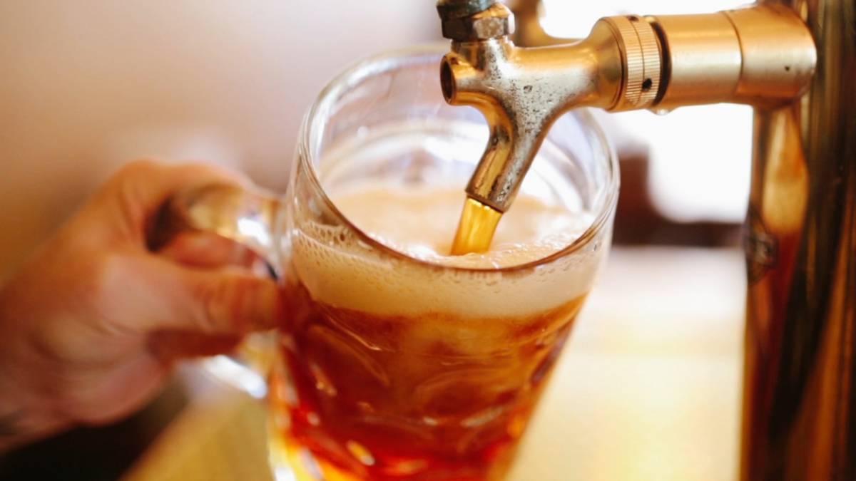 La cerveza con moderación es beneficioso para la salud.