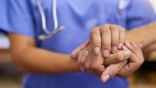 Alemania permitirá a médicos y hospitales