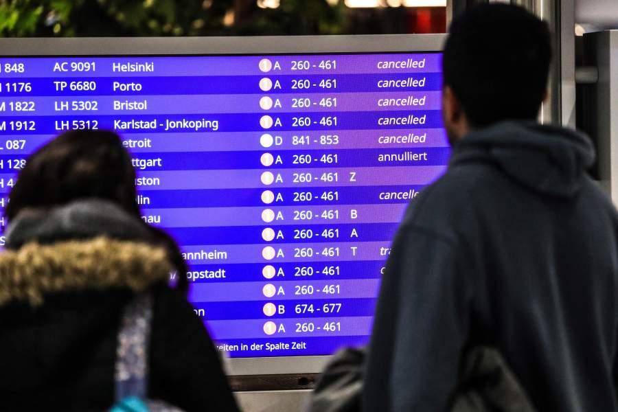 Centenares de vuelos cancelados en Alemania