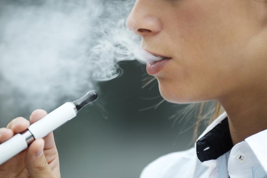 Confirman prohibición gradual de cigarrillos