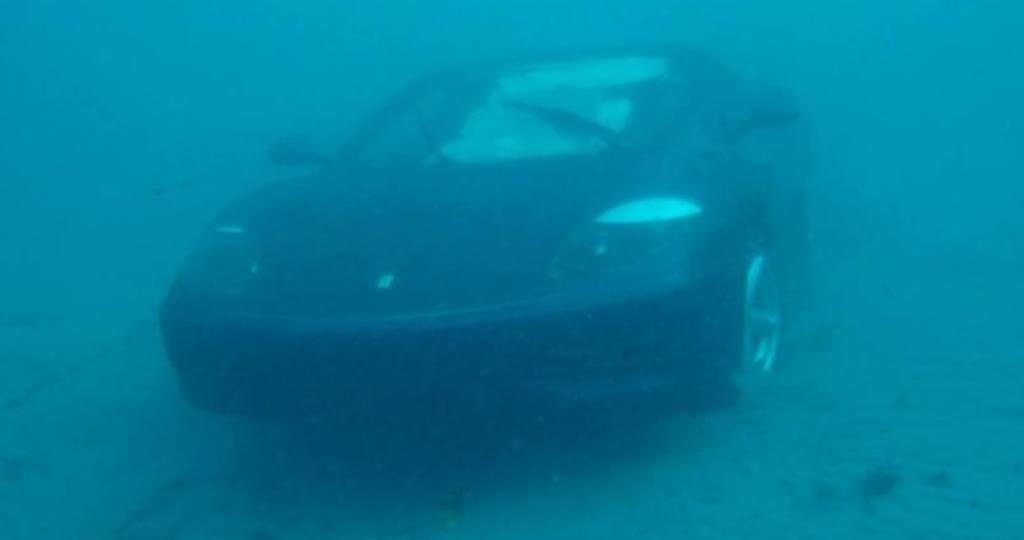Ferrari 360 mar sumerger buzos