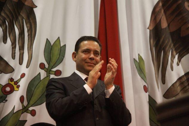 Exgobernador mexicano enfrentará en prisión juicio de extradición a EEUU