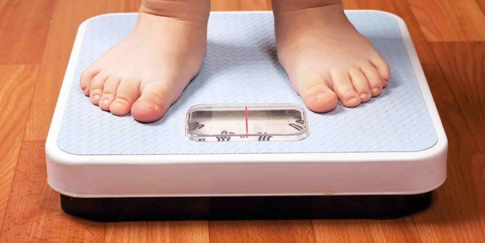 Obesidad y sobrepeso afectan a los menores en Chile. Foto con fines ilustrativos.