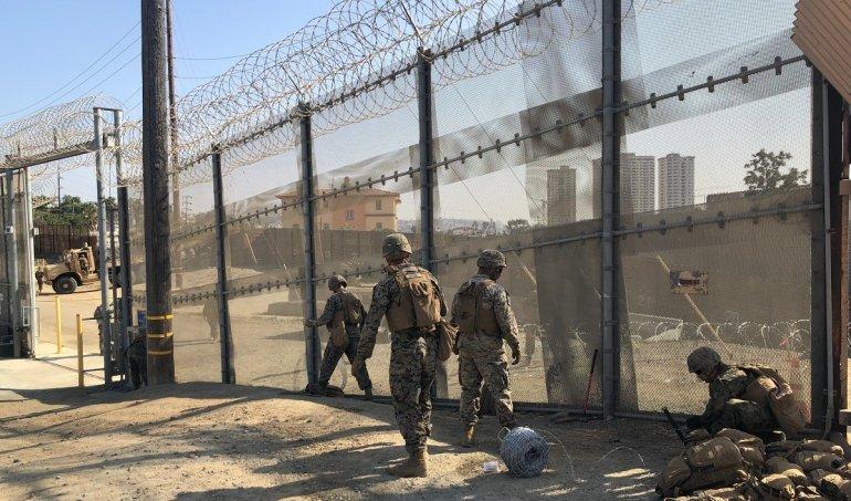 Inician reemplazo de otro tramo de valla fronteriza en San Diego