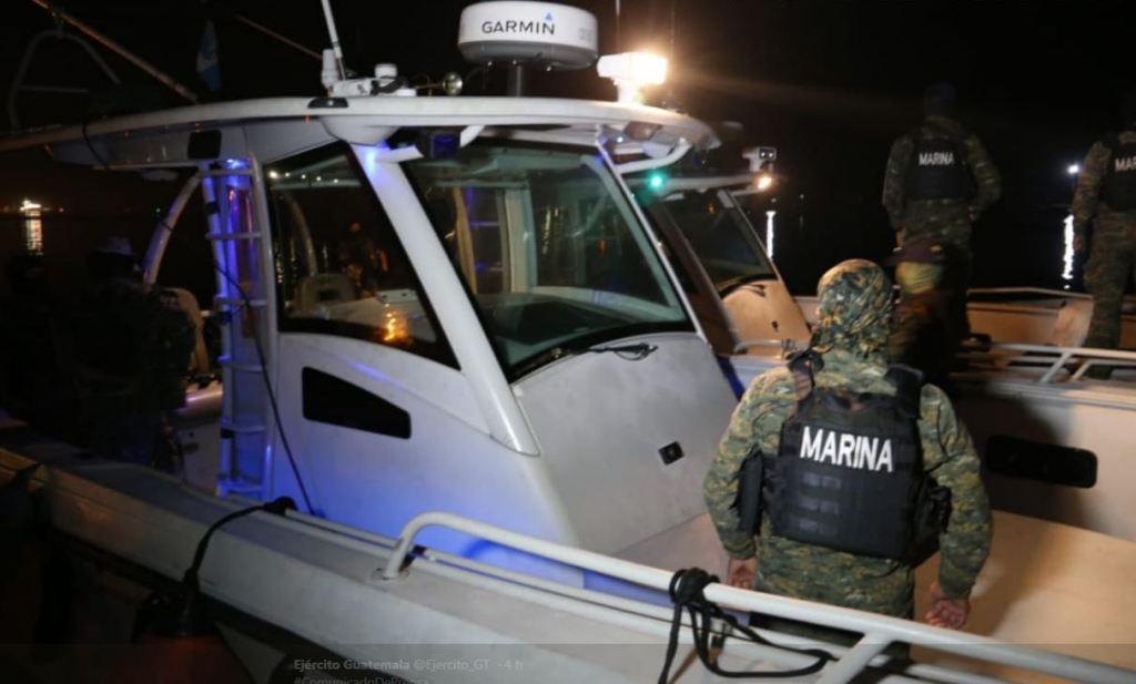 Ejército de Guatemala costales supuestos ilícitos aguas internacionales