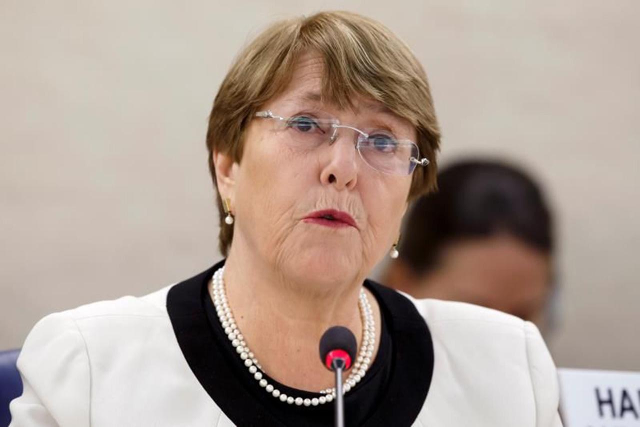 Bachelet pide a Maduro