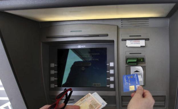 Dinero en cajero de China
