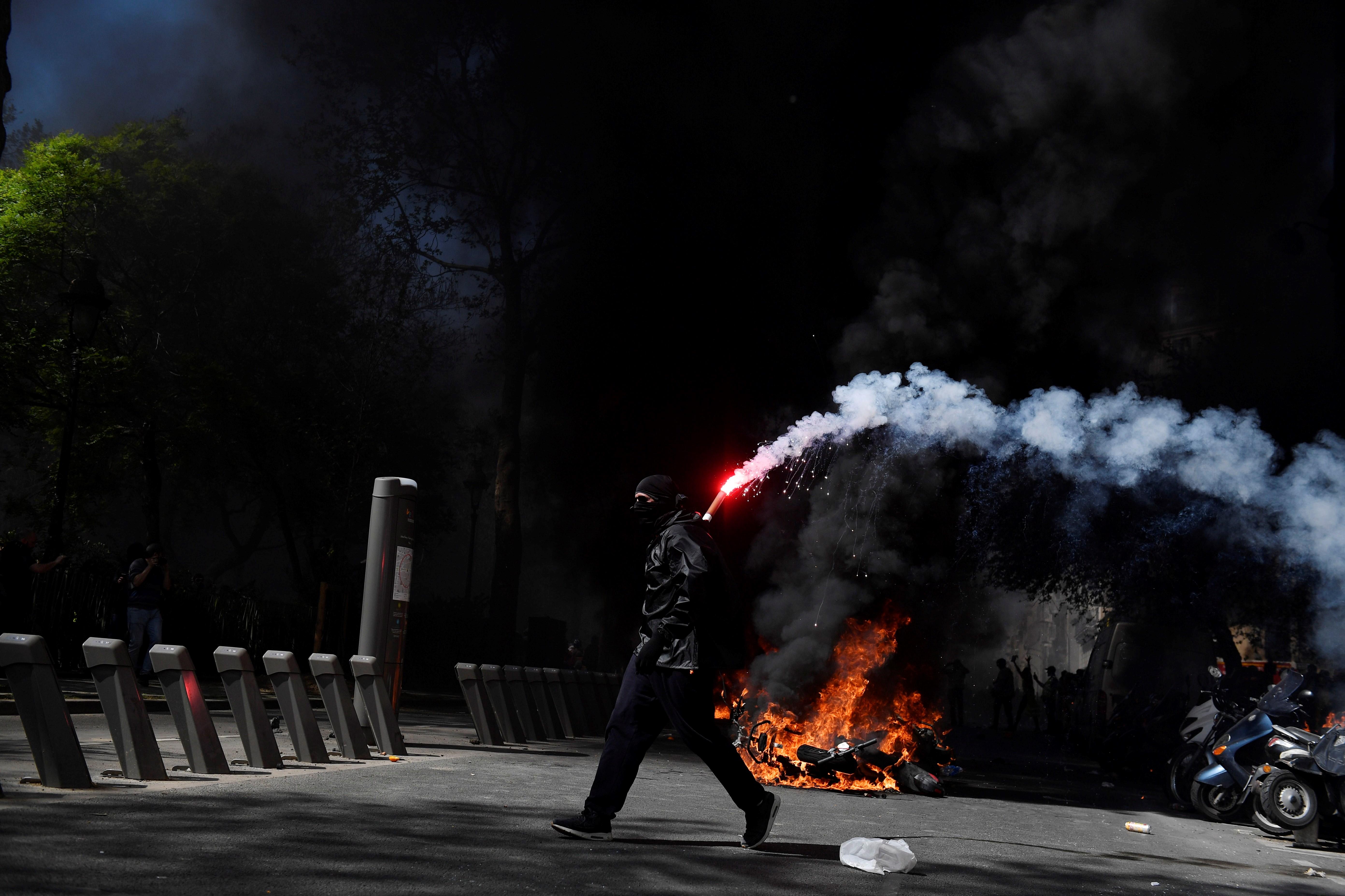 """Protesta de """"chalecos amarillos"""" en París. Foto: EFE"""