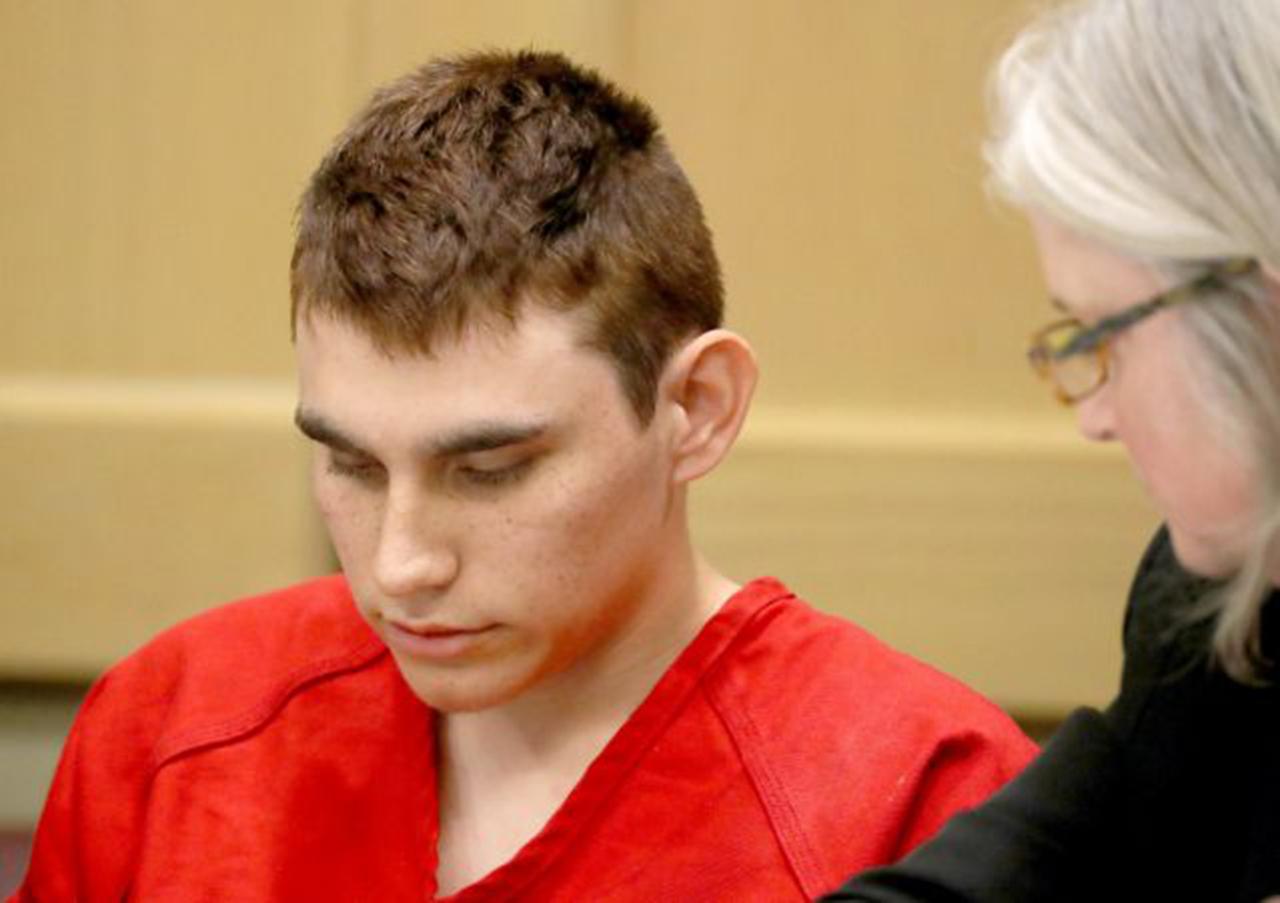 Autor de masacre de Parkland seguirá con abogado de oficio