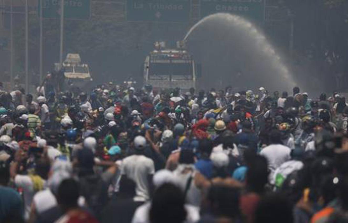 Mueren dos adolescentes durante las protestas en Venezuela