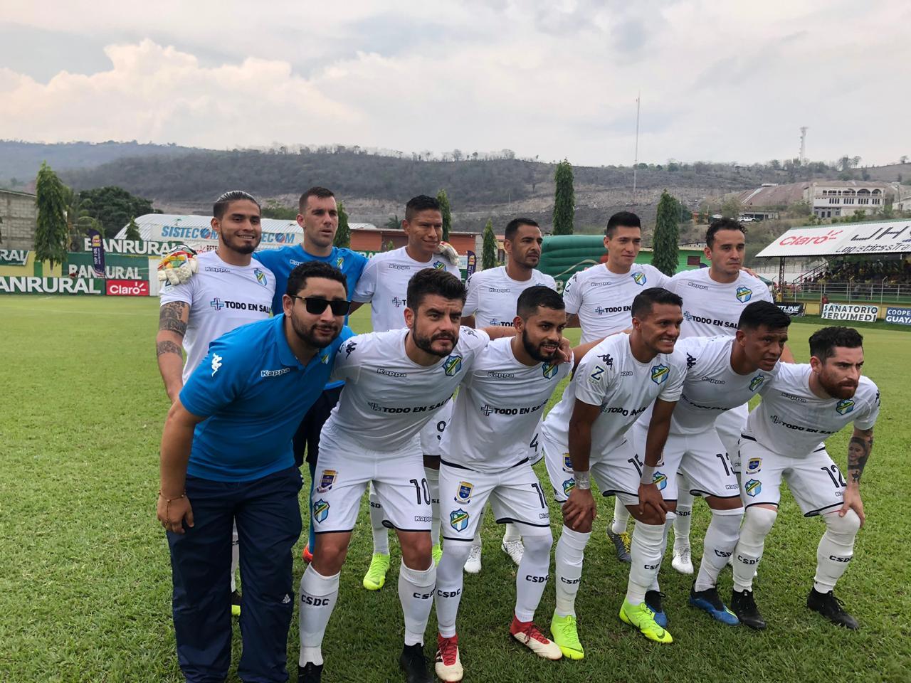 Futbol nacional de luto por la partida de Óscar Sánchez