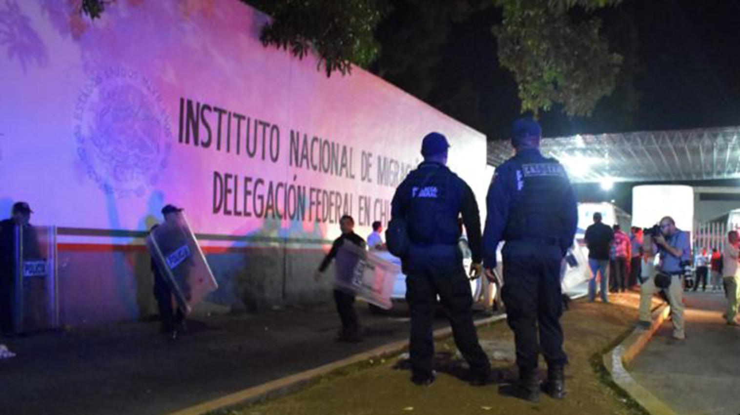Se fugan 40 personas de estación migratoria en México